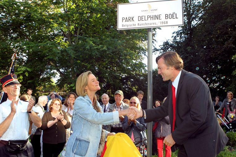Guy Reynebeau en Delphine Boël bij het officieuze park, dat haar naam kreeg.