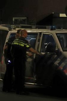 Man zwaait met wapenstok in Peperstraat Kaatsheuvel