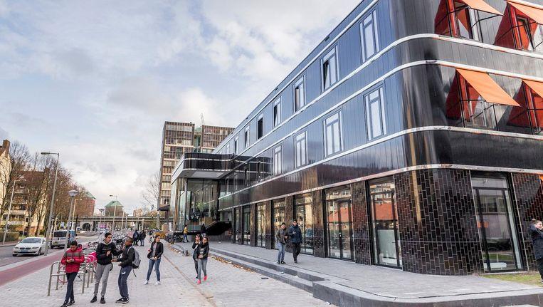 Het Calvijn College, de school liet een nieuw futuristisch schoolgebouw ontwerpen. Beeld Rink Hof
