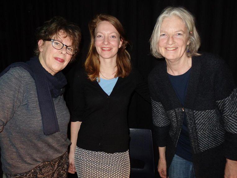 Perdudirecteur Marije Koens, en Ineke Overtoom (l) en Ada den Boef van boekhandel Perdu Beeld Schuim