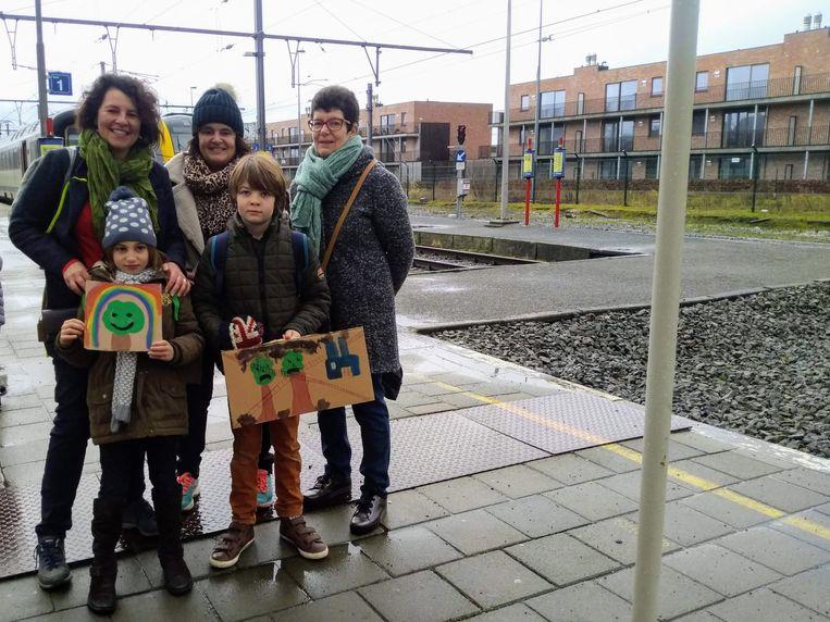 Ook Nathalie Vandevoorde uit Roesbrugge trok met haar gezin naar de klimaatmars.