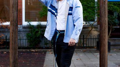 De Nieuwste mode: Nederlandse scholieren dragen hun werkkleding als merkkleding. Naar school in jasje van Albert Heijn of IKEA
