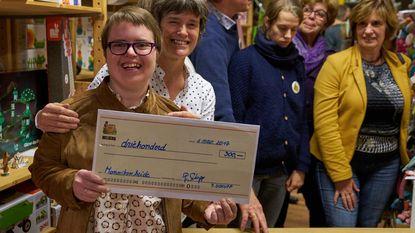 Kiki schenkt 300 euro aan Monnikenheide