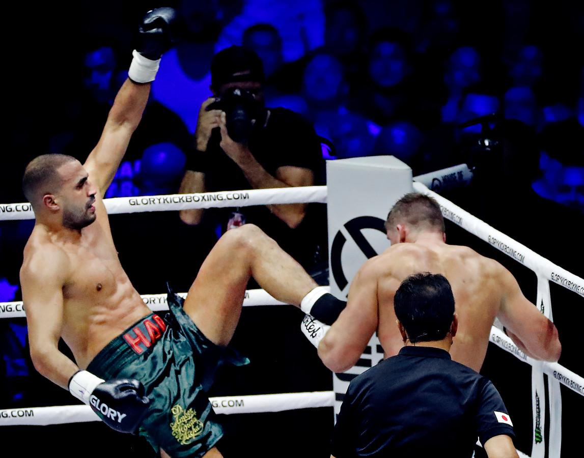 Het gevecht tussen Badr Hari (links) en Rico Verhoeven trok in december nog miljoenen kijkers.