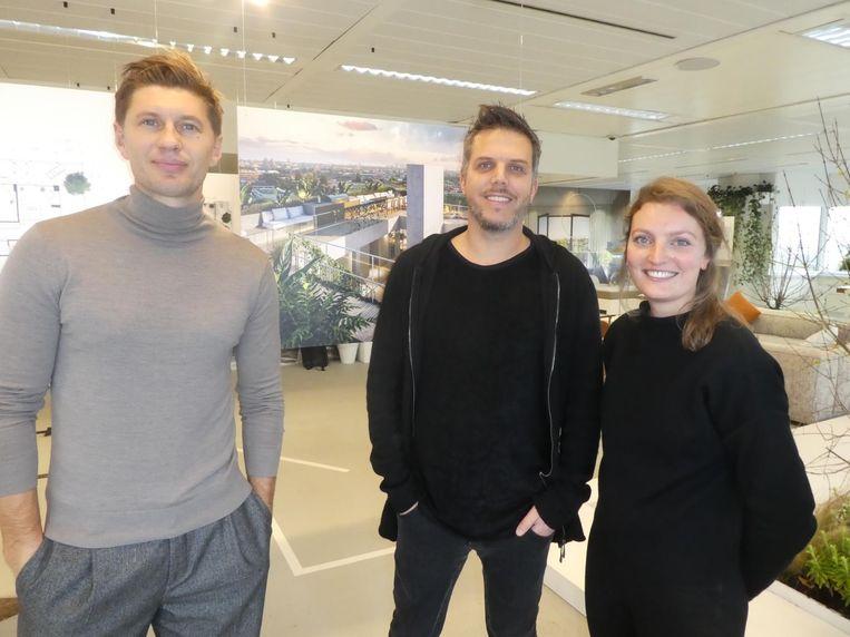 Oud-voetballer Evgeniy Levchenko, interieurarchitect Tommy Kleerekoper (Tank) en Elisabeth Corstanje (Prast & Hooft). Beeld Schuim