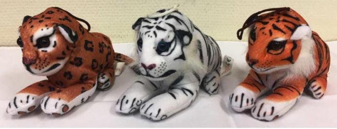 De drie typen tijgertjes, elk ongeveer zeventien centimeter groot, waarvan de ogen los kunnen raken.