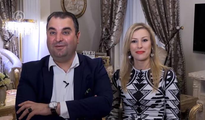 Screenshot uitzending: Salar Azimi en zijn vrouw Annika