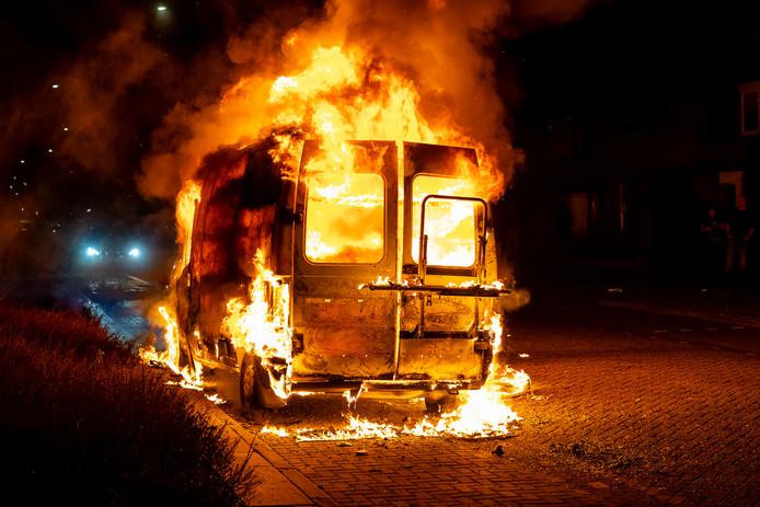 Camper uitgebrand in Oosterhout