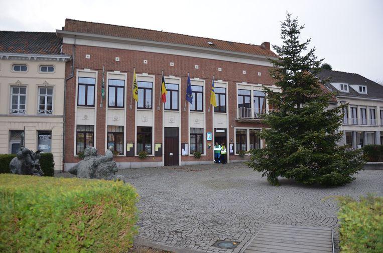 Het huidige gemeentehuis wordt na de bouw van het nieuwe in de etalage gezet.