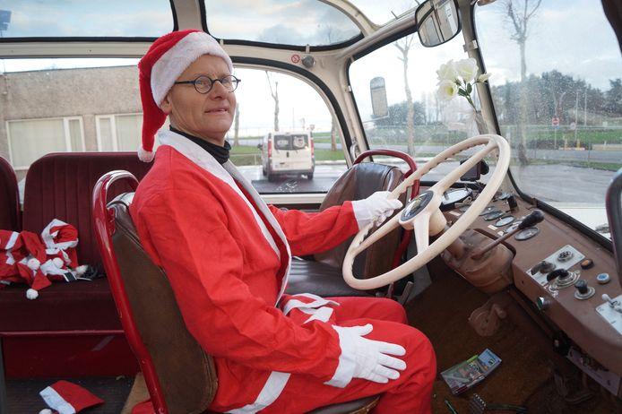 Tieltenaar Bart Defraeye voerde de kerstman rond in Aarschot. Hij is trots dat hij deel mocht uitmaken van het initiatief.