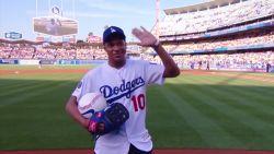 Kylian Mbappé in voor carrièreswitch? Franse stervoetballer maakt opwachting bij honkbalclub LA Dodgers