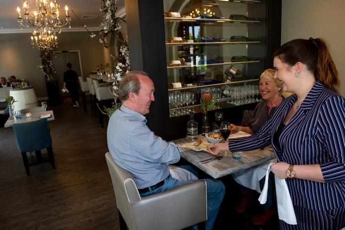 Over de Tong ging eten bij restaurant Avenarius.