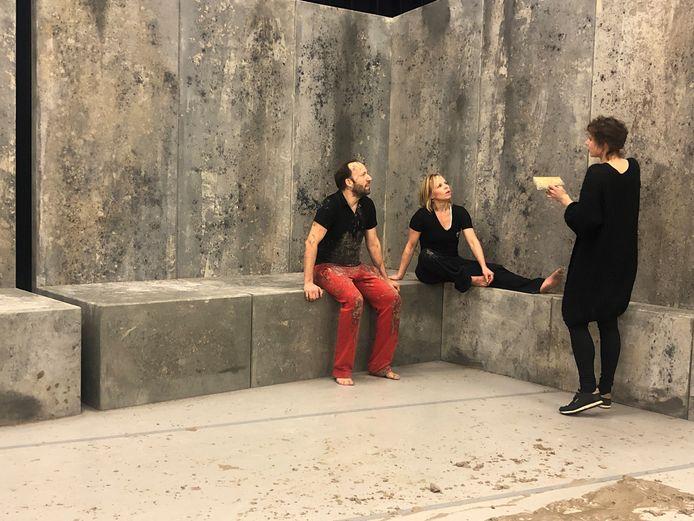 Regisseur Liliane Brakema (rechts) met Wendell Jaspers en Ali-Ben Horsting. Liliane Brakema. Foto Frederique Donker