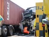 A16 bij Breda weer vrij na ongeluk met twee vrachtwagens en bestelbusje