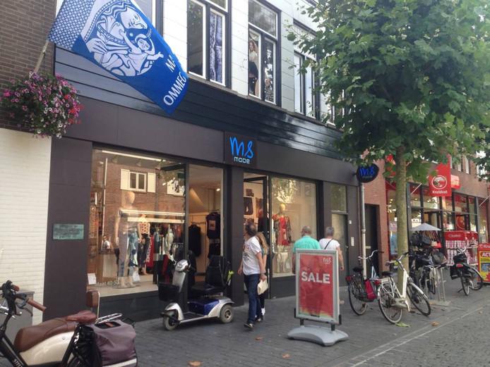 Ook in Bergen op Zoom opende MS Mode deze week weer de deuren, tot opluchting van klanten en personeel. Foto Coen Hagenaars