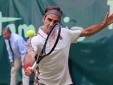 Federer zonder problemen naar dertiende finale in Halle