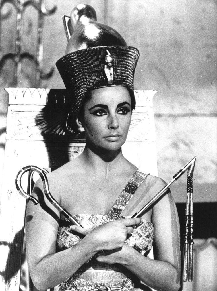 Actrice Elisabeth Taylor als Cleopatra in de gelijknamige film Beeld ANP
