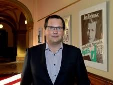 Kamerlid Schonis spreekt op politiek café D66 in Middelburg