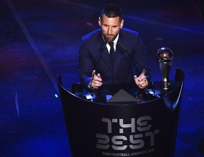 L'attaquant argentin et barcelonais Lionel Messi a remporté le trophée du meilleur joueur masculin de la FIFA de 2019.
