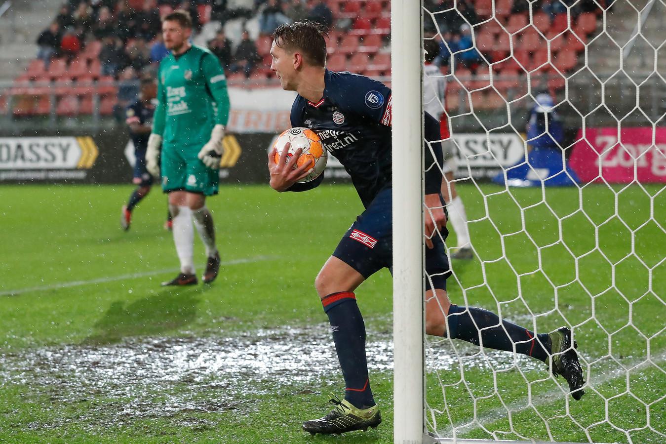Luuk de Jong na de 2-1.