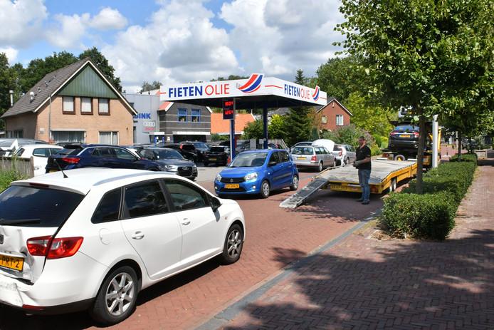 Het is schering en inslag: Laden en lossen bij Autobedrijf Abbink.