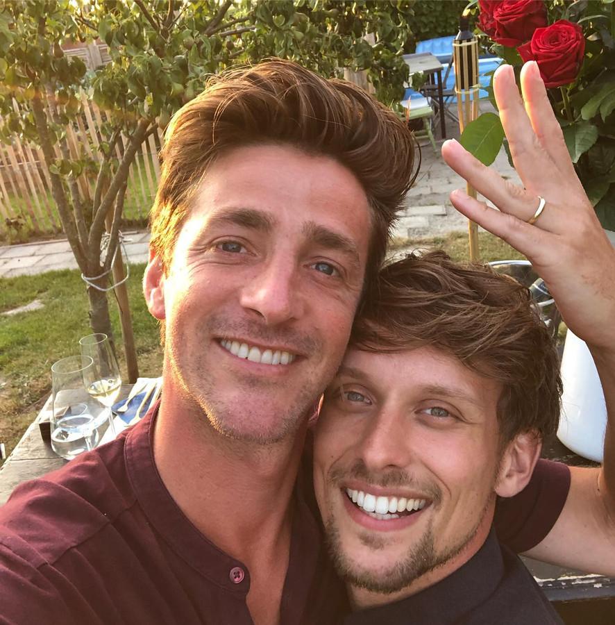 Hugo Kennis maakt zijn verloving bekend op Instagram