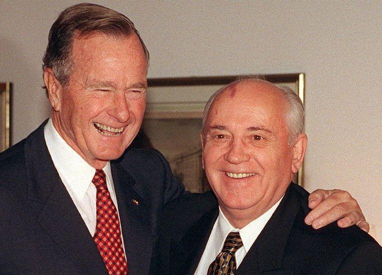 Bush en Gorbatsjov in 1999. Beeld EPA
