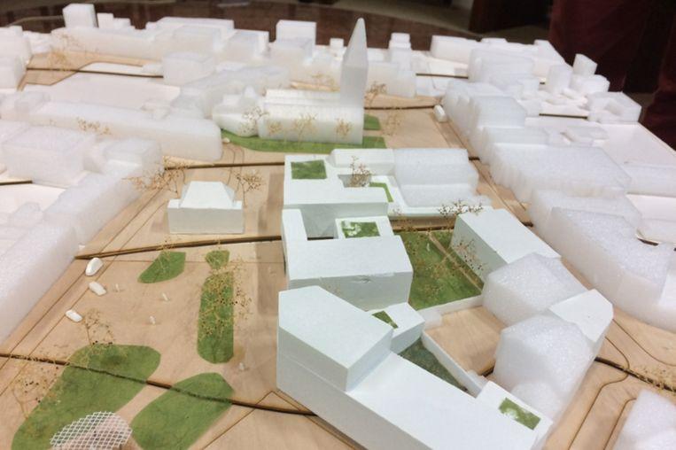 Het masterplan voor het nieuwe dienstencentrum kost geld, maar brengt door de verkoop van woningen en appartementen op de centrumsite ook aardig wat op.
