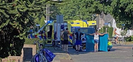 Automobilist schept fietsster in Nijverdal