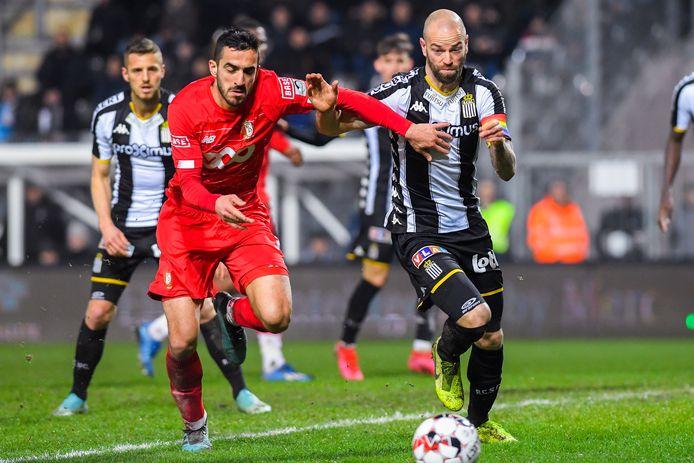 Le Standard et Charleroi préféreraient sans doute s'affronter devant des tribunes pleines, ils pourront l'indiquer à la Pro League qui essayera d'en tenir compte au moment de mettre sur pied le calendrier de la prochaine saison.