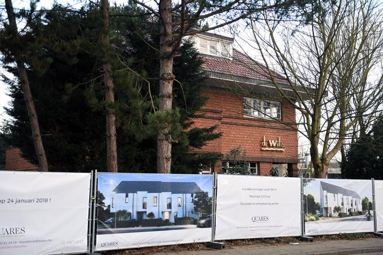 De eigenaar wil Villa De Wilg afbreken om er vier nieuwe woningen te plaatsen.