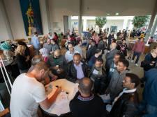 Statushouders solliciteren tussen de stroopwafels in Kampen