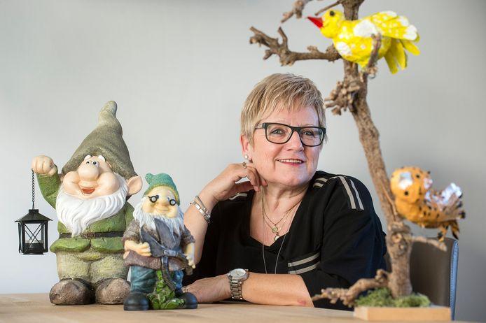 Marianne Joosen uit Dorst kijkt met warmte terug op haar vader, Cees de Bruijn, die dol was op tuinkabouters.