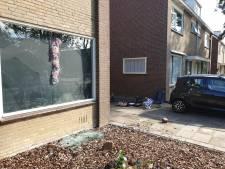 Ruit van woning in Roelofarendsveen ingegooid na ruzie, dader gepakt