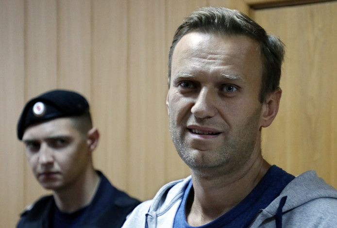 De Russische oppositieleider Aleksej Navalny in de rechtbank in Moskou eind augustus. De belangrijkste Kremlincriticus kreeg 30 dagen cel omdat hij in januari van dit jaar een niet-toegelaten manifestatie had georganiseerd.