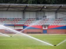 Voetbalclubs komen in de problemen door droge velden
