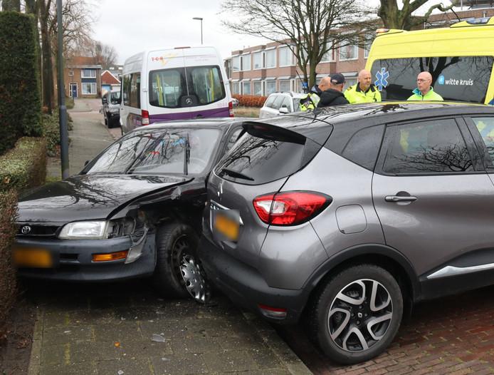 Flinke schade aan beide auto's.