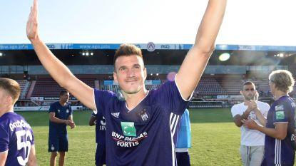 FT België. Oefenmatch Beerschot-Wilrijk stopgezet na zware blessure - Noch Vossen noch Santini krijgt Gouden Stier op rug