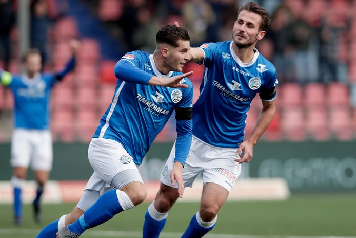 Ruben Rodrigues en Paco van Moorsel juichen na een treffer van FC Den Bosch in het vorige seizoen.