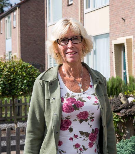 Willie Koppies uit Harderwijk is al 40 jaar verknocht aan haar wijkvereniging. 'Heel knap dat ze nog steeds zo succesvol zijn'