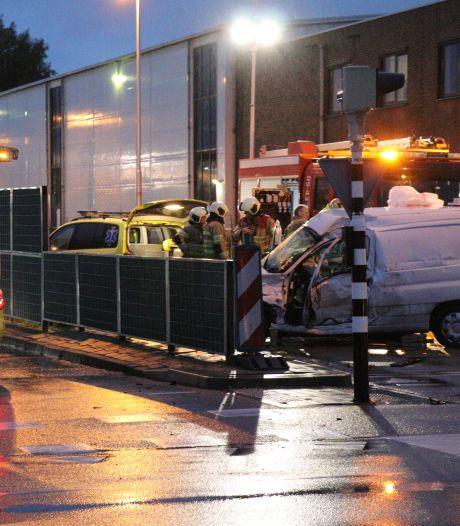 Trucker ziet busbaan, kruising én rood stoplicht over het hoofd en rijdt Utrechter (51) dood: 'Ik raakte hem vol'