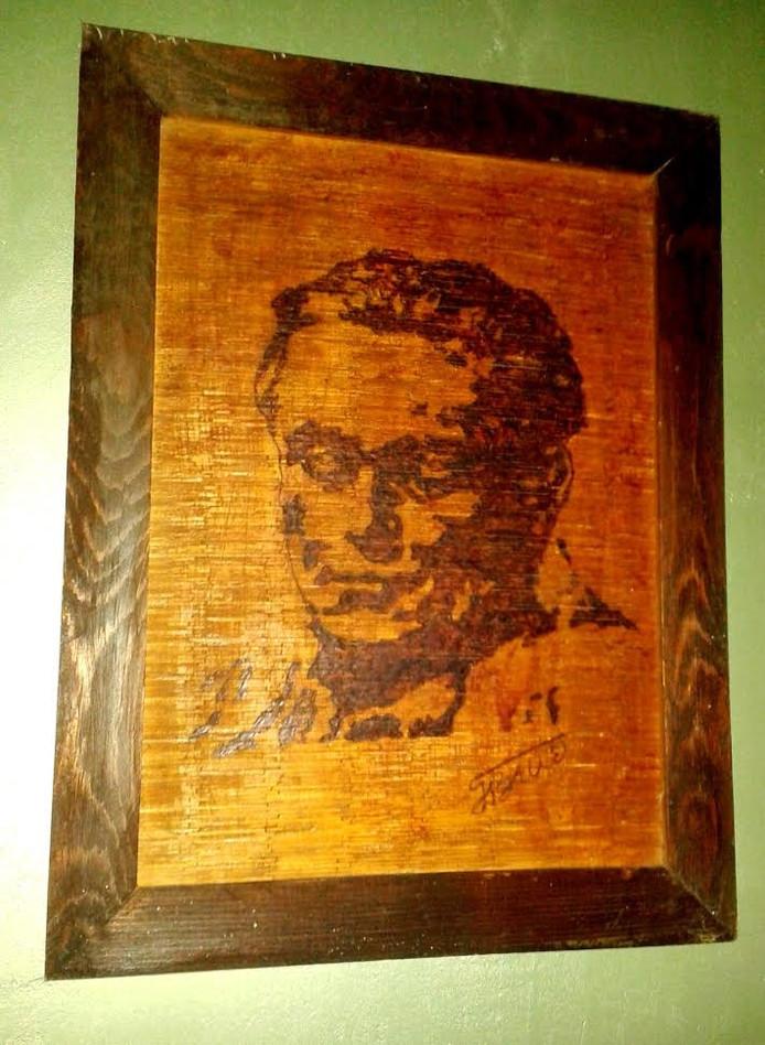 Maarschalk Tito is vereeuwigd uit luciferhoutjes.