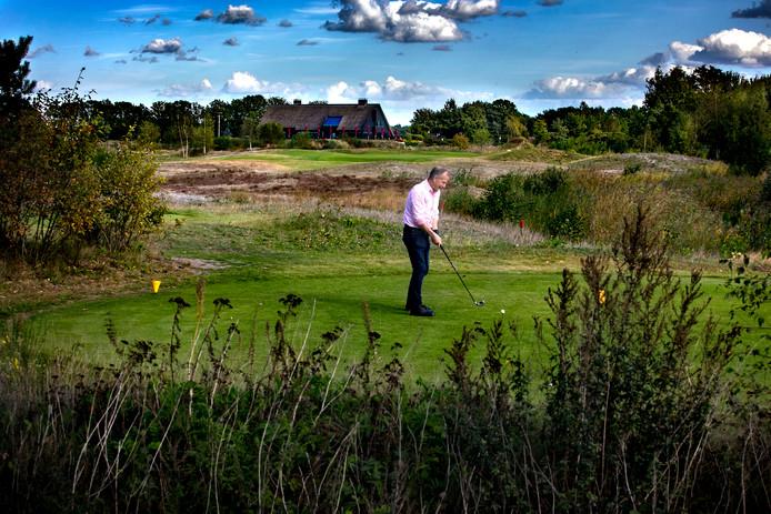 Golfbaan Stippelberg in Bakel heeft financieel grote moeite het hoofd boven water te houden.