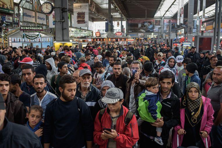 Vluchtelingen na aankomst op het hoofdstation van München. Beeld epa