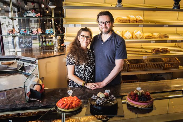 Stefan Martens met zijn vrouw Sabine in de bakkerij.