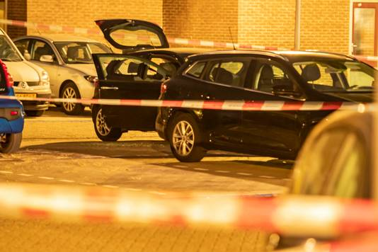 De man werd doodgeschoten in zijn auto