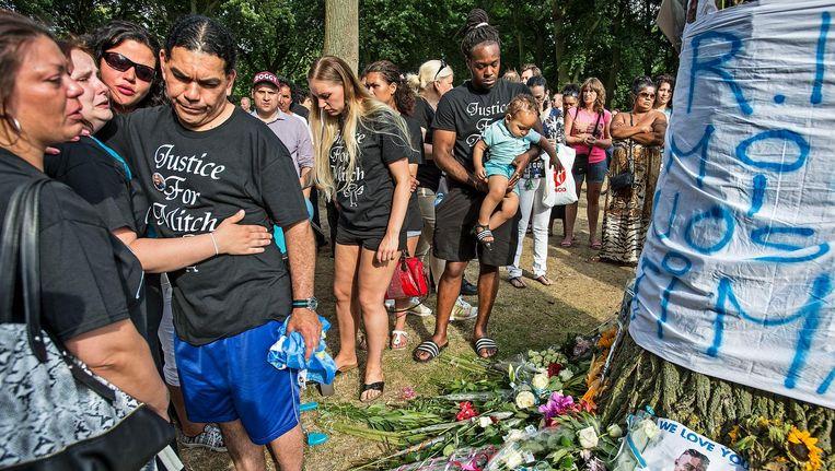 Herdenking van de dood van Mitch Henriquez in Den Haag. Beeld Guus Dubbelman/de Volkskrant