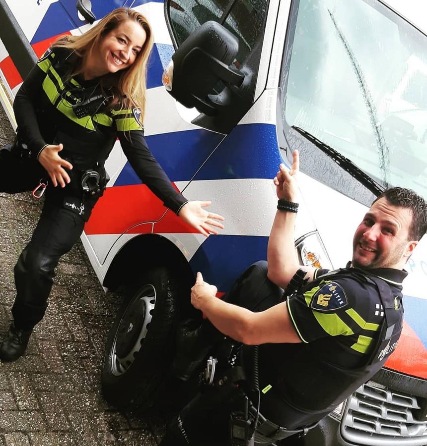 Agenten Esmiralda en Niels doen mee in de video.