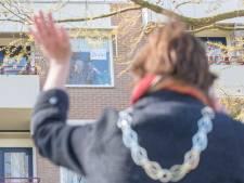Oudste Zeeuw (107) viert verjaardag noodgedwongen zonder familie