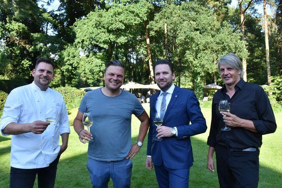 Van links naar rechts: sterrenchef Ralf Berendsen, juwelier Jochen Leën, hotelmanager Yannick Bouts en drummer Mario Goossens.